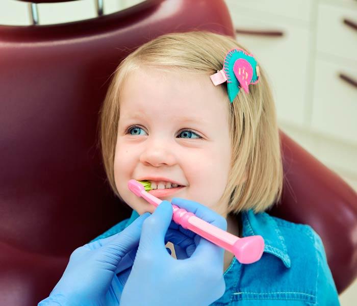 Primera visita del niño al dentista