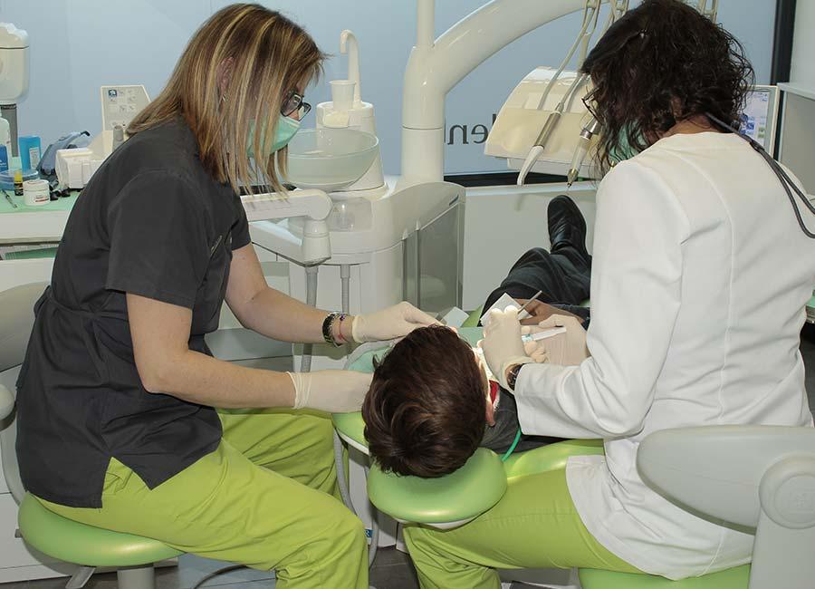 Dentistas en clínicas dentales Arce