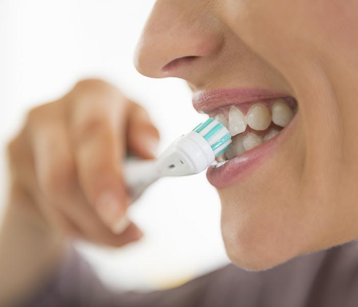 Limpieza después de los implantes dentales