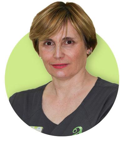 Isabel Ávila, Higienista y recepcionista.